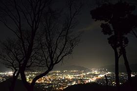 鴻の峯の夜景サムネ