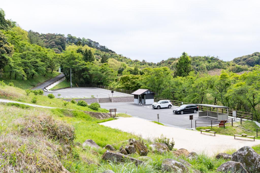 万倉の大岩郷駐車場
