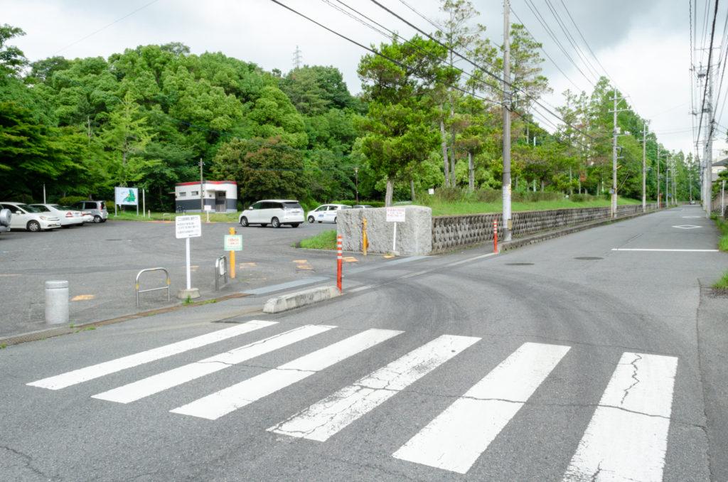 西緑地公園の駐車場